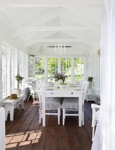 Country home - Sunroom House Design, House, Cottage Style, Home, Cottage Porch, New Homes, Beautiful Homes, Closed In Porch, Sunroom Designs
