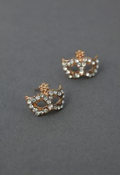 I know someone (besides me!) that would find these right up their alley...DEEEJ!  @DJ Douglas   / Party Mask Crystal Earring