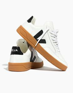 'Veja Men''s Sneakers' So, these pins are some of our Picks! Please let Us know what your kick game is like. Which is your favorite? Summer Outfits Men, Stylish Mens Outfits, Men Summer, Casual Outfits, Men Casual, Sneakers Outfit Men, Sneakers Fashion, Veja Sneakers, Vans Shoes
