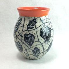 Physalis vase; Cerise de Terre Ceramics; sgraffito Sgraffito, Clay Ideas, Ceramic Pottery, Jar, Ceramics, Decorating, Home Decor, Earth, Ceramica
