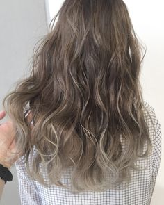 Kpop Hair Color, Ombre Hair Color, Classy Hairstyles, Permed Hairstyles, Medium Hair Styles, Curly Hair Styles, Medium Straight Haircut, Soft Blonde Hair, Olive Hair