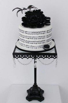 I will take this for my birthday cake Music Themed Cakes, Music Cakes, Gorgeous Cakes, Pretty Cakes, Peanut Butter Filled Cupcakes, Bolo Musical, Music Note Cake, Piano Cakes, Elegant Cakes