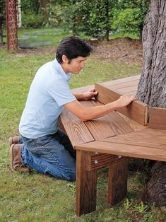 Wrap around tree bench! DIY Wrap Around Tree Bench - 10 Outdoor DIY Projects That Inspire Beauty and Relaxation Diy Garden Projects, Outdoor Projects, Home Projects, Diy Gardening, Decoration Palette, Tree Bench, Tree Seat, Built In Bench, Make Photo