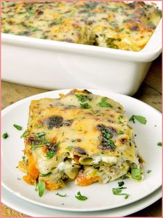 No more boring turkey sandwiches, transform that holiday meal into this delicious Leftover Turkey Lasagna recipe and watch your family go crazy for it! Turkey Noodle Casserole, Leftover Turkey Casserole, Stuffing Casserole, Leftover Turkey Curry, Leftover Turkey Recipes, Leftovers Recipes, Thanksgiving Vegetables, Thanksgiving Recipes, Thanksgiving Leftovers