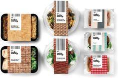 Packaging Delishop Take Away - design graphique Enric Aguilera - 01 Takeaway Packaging, Salad Packaging, Sandwich Packaging, Cool Packaging, Food Packaging Design, Packaging Design Inspiration, Brand Packaging, Plastic Food Packaging, Luxury Packaging