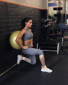 """12.3k Likes, 259 Comments - Alexia Clark (@alexia_clark) on Instagram: """"Stability 1. 15 each side 2. 10 each side 3. 15 Reps 4. 15 each side 3-5 rounds #alexiaclark…"""""""