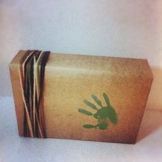 5 Upcycled Gift Wraps for Dad on Father's Day