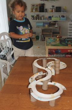marble roller coaster - adapt to 2 tubes and a marble for take home. Stem Projects, Science Projects, School Projects, Games For Kids, Diy For Kids, Crafts For Kids, Stem Activities, Activities For Kids, Marble Games