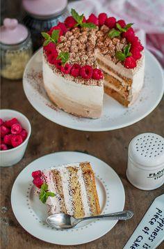 MniuMniu - Kuchnia roślinna: WEGAŃSKI TORT TIRAMISU Z MALINAMI Raspberry Tiramisu, Vegan Tiramisu, Vegan Cheesecake, Tiramisu Cake, Vegan Cake, Vegan Sweets, No Bake Cake, Vanilla Cake, Cake Recipes