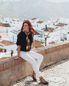 Andreea Balaban (@andreea.balaban) • Fotografii şi clipuri video Instagram Olivia Culpo, White Jeans, Marie, Clipuri Video, Photography Ideas, Summer, Model, Pants, Autumn