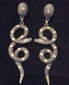 Beauty all around us #isabelladelbono #snake #earrings #lovelylife everything #madeinitaly @ #marianaantinori