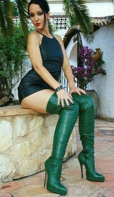 Do you like my sexy boots Mark Shavick? Thigh High Boots Heels, Black High Heels, Heeled Boots, Knee Boots, High Leather Boots, Black Leather, Leather Pants, Kente Styles, Sexy Boots