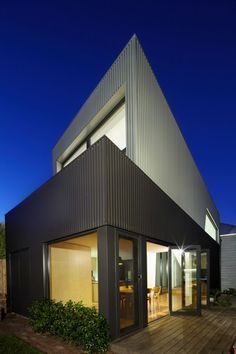 Gallery of Yarra Street House / Julie Firkin Architects - 6 House Cladding, Metal Cladding, Facade House, Home Remodeling Diy, Home Renovation, External Cladding, Property Design, Street House, House Extensions