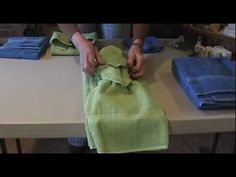 As a surprise little 'extra' for clients, I will ask them to leave out two fresh sets of towels (bath towel, hand towel and washcloth) and then I will tie th. Folding Bathroom Towels, Bathroom Towel Decor, Bathroom Ideas, Bathroom Staging, Bathroom Organization, Bath Towels, Decorative Hand Towels, How To Fold Towels, Walk In Shower Designs