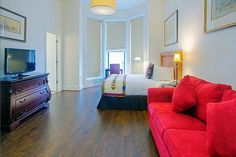 The choice for luxurious Baltimore hotels, the Hotel Brexton Baltimore is a boutique Mount Vernon hotel that is centrally located in the heart of Baltimore Hotel Specials, Queen Room, Stay The Night, Best Hotels, A Boutique, Continental Breakfast, Around The Worlds