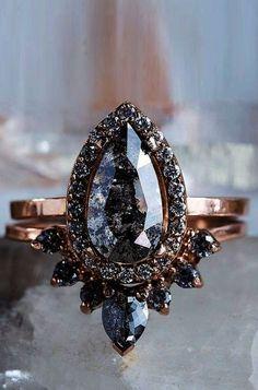 Engagement Ring Rose Gold, Dream Engagement Rings, Morganite Engagement, Vintage Engagement Rings, Oval Engagement, Engagement Jewelry, Ring Set, Ring Verlobung, Pave Ring