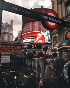Walking through #PiccadillyCircus earlier. commuters heading down the underground. Walking is giving me lots of time to think and clear my head. It helps me stay strategic. Skip a couple of tube stops and walk it especially when the sun is shining! Free your mind!  @daveburt || #ThisIsLondon by london