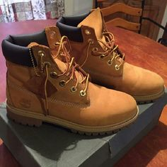 Timberland Boots Size 6 in men, brush & eraser included Timberland Shoes Ankle Boots & Booties