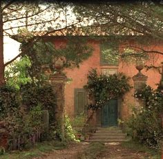 "I wanna own a house like the one in the movie, ""Under the Tuscan Sun""!"