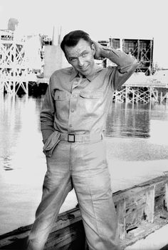 Frank Sinatra during the filming of From Here to Eternity, photographed by Bob Willoughby Reel Cinema, Mr Martin, From Here To Eternity, Hollywood Men, Old Movie Stars, Jerry Lewis, Sing To Me, Old Soul, Classic Tv