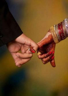 Indian Wedding Photography Poses Signs New Ideas Indian Wedding Couple Photography, Indian Wedding Photos, Wedding Couple Photos, Couple Photography Poses, Bridal Photography, Wedding Couples, Indian Photography, Photography Ideas, Photography Portfolio
