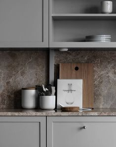 TDC: Understated elegance in grey, beige and brown Beige Kitchen, Ikea Kitchen, Kitchen Pantry, Kitchen Interior, Interior Design Living Room, Kitchen Decor, Kitchen Cabinets, Kitchen Walls, Kitchen Layout