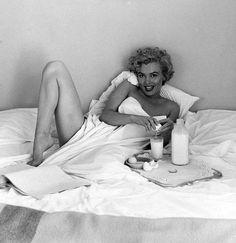 """Marilyn Monroe """"Por ella misma""""  Las citas provienen en su mayoría del libro dedicado a Marilyn por Taschen en la serie """"Movie Icons"""" y otras del libro de Marie Clayton """"Marilyn Monroe, archivos inéditos"""""""