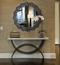 Top 20 Console Tables for a Modern Entryway http://deconewyork.net/interior-design/top-20-console-tables-for-a-modern-entryway/