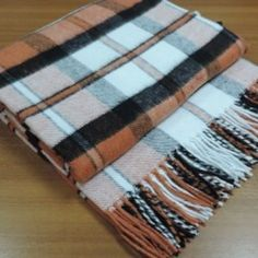 Plaid  London  with tassels. Wool blend, density 245 g/m2