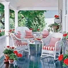 Pretty Perfect Porches - Room Design - Your Home - MSN Lifestyle Wicker Furniture, Outdoor Furniture Sets, Cheap Furniture, Outdoor Rooms, Outdoor Living, Summer Porch Decor, Gazebos, Southern Porches, Country Porches