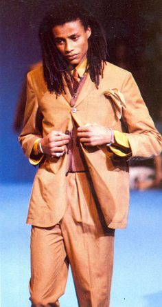 1990 - Jean Paul Gaultier Homme show Vintage Men, Vintage Fashion, Fashion Show, Mens Fashion, S Man, Jean Paul Gaultier, Fashion History, Menswear, Spring Summer