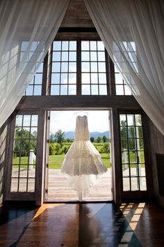 Wedding at Veritas Vineyard & Winery by Ward Photography
