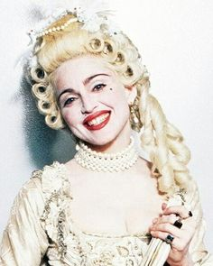 Madonna as Marie Antoinette for the MTV Awards 1990 performance of Vogue Madonna Rare, Madonna 90s, Madonna Vogue, Madonna Albums, Lady Madonna, Michael Jackson, Veronica, Best Female Artists, Madona