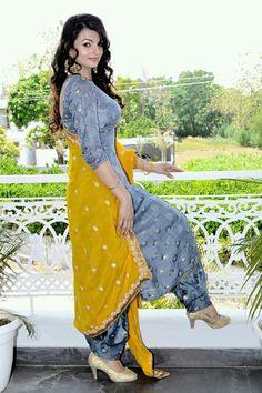 Salwar Suits Party Wear, Punjabi Salwar Suits, Punjabi Dress, Patiala Suit, Pakistani Dress Design, Pakistani Dresses, Indian Dresses, Indian Suits, Punjabi Suits Designer Boutique