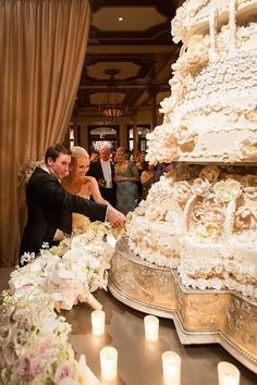 Huge Wedding Cakes, Extravagant Wedding Cakes, Bling Wedding Cakes, Beautiful Wedding Cakes, Wedding Cake Designs, Wedding Cupcakes, Beautiful Cakes, White And Gold Wedding Cake, Huge Cake