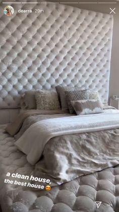Fall Bedroom Decor, One Bedroom, Bedroom Sets, Home Decor, Minimalist Bedroom, Modern Bedroom, Farmhouse Bedroom Furniture, Cool Rooms, Princess Room