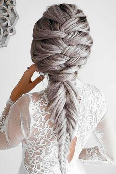 Are you looking for romantic and different types of braids? We have picked the photos of the loveliest braids to inspire you for trying something new.
