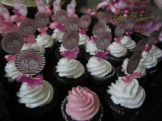 Chocolate Cupcake and White-Pink Frosting / Cupcake de Chocolate con nevado suizo Rosa y Blanco / Creaciones Reina Sofia / Ciudad Ojeda / Zulia