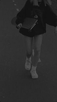 Badass Aesthetic, Black Aesthetic Wallpaper, Night Aesthetic, Black And White Aesthetic, Aesthetic Colors, Aesthetic Backgrounds, Aesthetic Photo, Aesthetic Pictures, Black And White Picture Wall