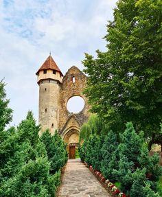 Turism Romania, Glitter Room, Bali, Sidewalk, Earth, Vacation, Mansions, House Styles, Amazing