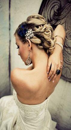 Love this hair style :)