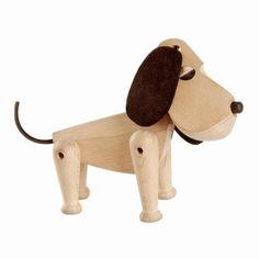 Træhunden Oscar fra Hans Bølling - håndlavet klassisk dansk design. 549 kr. http://shop.lerchedesign.dk/hans-boelling-oscar-hund/