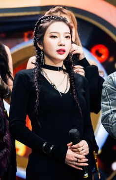 Find images and videos about kpop, red velvet and joy on We Heart It - the app to get lost in what you love. Seulgi, Kpop Girl Groups, Korean Girl Groups, Kpop Girls, Red Velvet Joy, Red Velvet Irene, Velvet Style, Black Velvet, Park Sooyoung