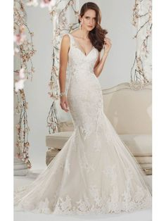 V-NECK SLEEVELESS APPLIQUES BEADING MERMAID/TRUMPET SWEEP/BRUSH TRAIN GLAMOROUS TULLE 2015 WEDDING DRESSES
