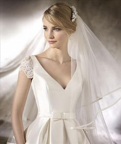 La Sposa Halberg Wedding Dress on Sale Off La Sposa Wedding Dresses, Lace Wedding Dress, Wedding Dresses For Sale, Lace Weddings, Bridal Dresses, After Wedding Dress, Sophisticated Bride, The Dress, Ball Dresses