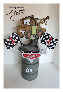SCRAPPIN MEMORIES: Disney cars centerpieces