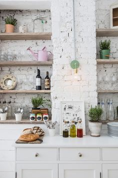 white bricks in the kitchen.  home decor and interior decorating ideas.