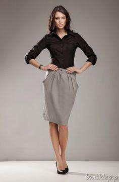 Spódnica z delikatnie odstającymi, głębokimi kieszeniami. Modna kolorystyka pozwoli Ci na dopasowanie jej do wielu stylizacji: na sportowo z kolorowym topem, w eleganckim wydaniu z klasyczną koszulą. Skład: 73% bawełna, 22% poliester, 5% elastan... #Spodnice - http://bmsklep.pl/spodnica-z-kieszeniami-szary-sp11