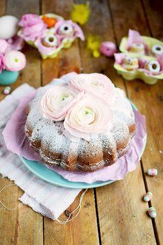 Vanille Stracciatella Gugelhupf Mit Schokolade - Vanilla Bundt Cake With Chocolate Chunks | Das Knusperstübchen