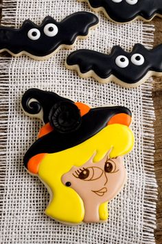Witch Cookie Tutorial for Halloween by thebearfootbaker.com